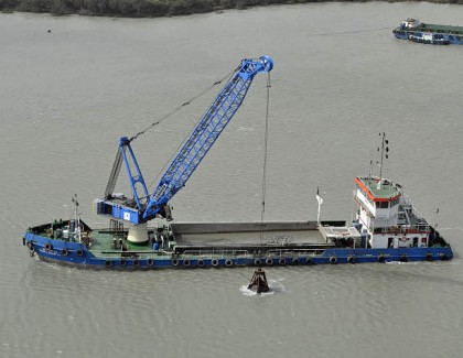 Liebherr Floating Transfer Solutions