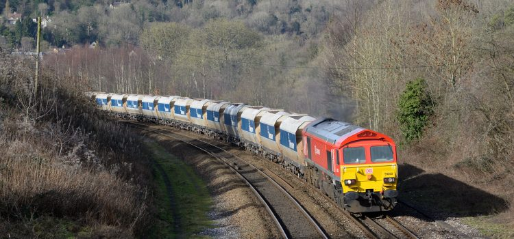DB Cargo UK renews long-standing partnership with aggregates distribution specialist