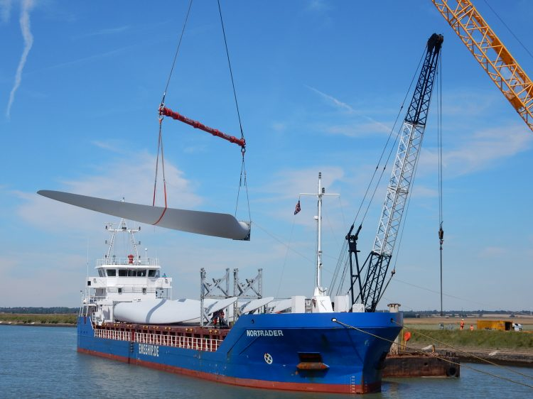 Case Study: ALS helps wind farm build momentum with new 48.8m long blades