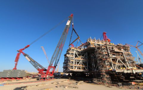 ALE performs North America's biggest land lift with heavylift crane