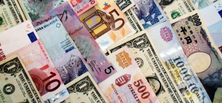 Managing foreign currency risks when you trade overseas – Financial Expert, John Galvin's top tips