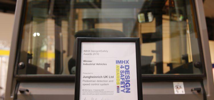 Jungheinrichreceives award from British Industrial Truck Association
