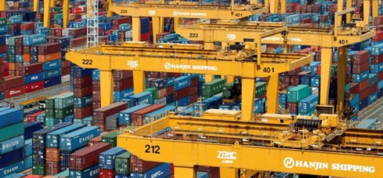 Banks halt support to South Korea's top shipping firm Hanjin
