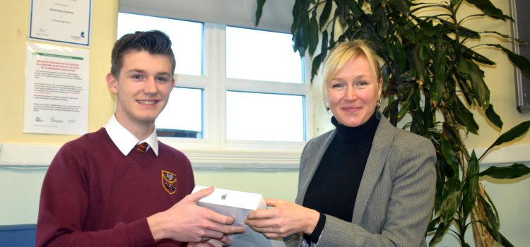 Warwickshire teenager scoops top prize in freight industry competition