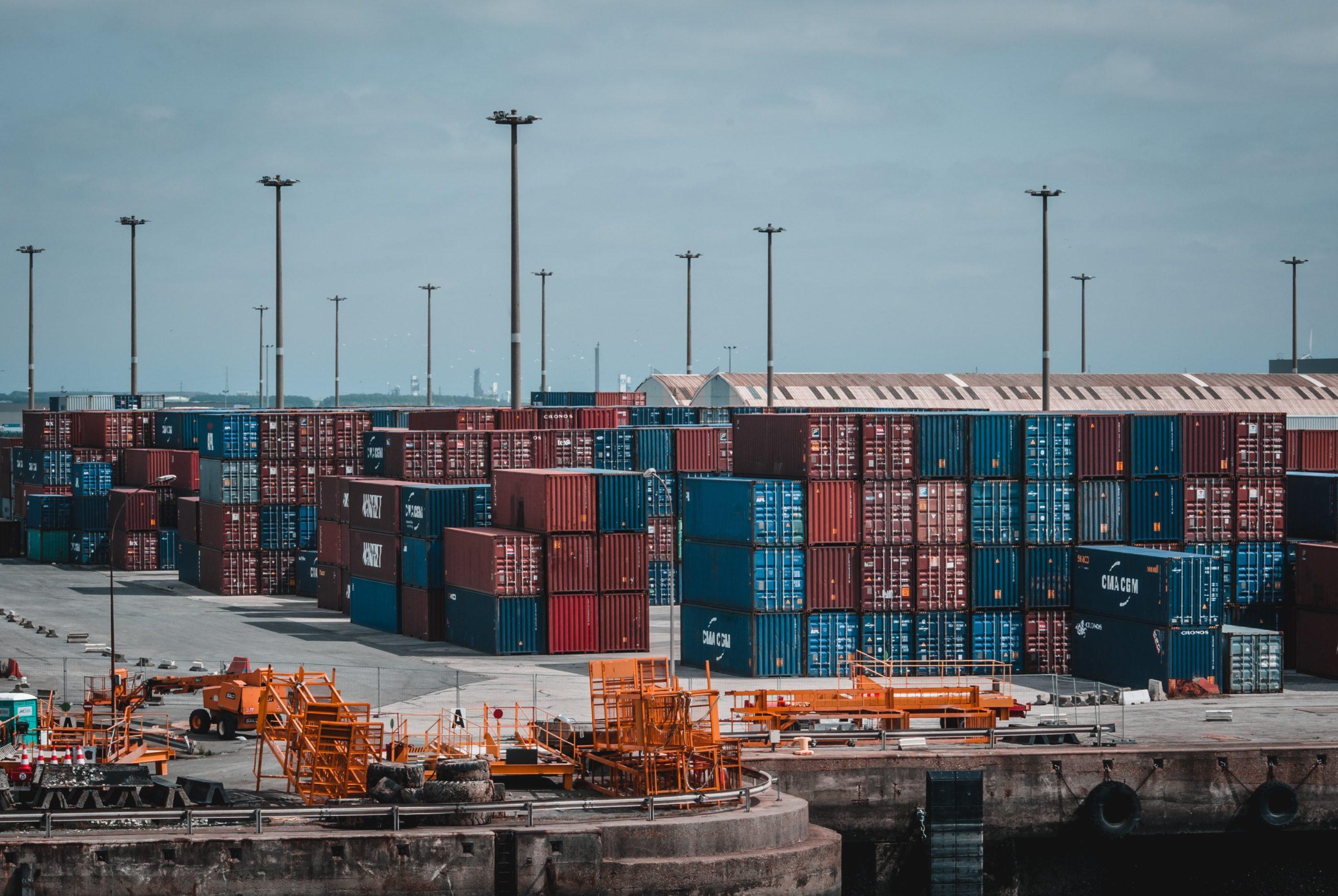 China-US freight rates plunge